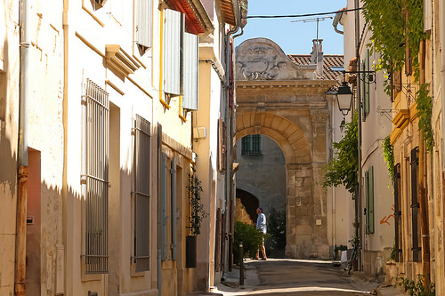 Sur les pas de Van Gogh - Rue du Grand Couvert à Arles par Meteorry