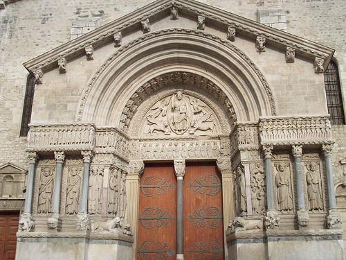 Cathédrale Saint-Trophime, Arles. par Only Tradition