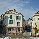 Dans les rues d'Arles par Cilions - Arles 13200 Bouches-du-Rhône Provence France