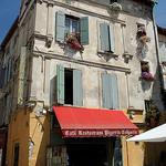 Hotel / Café / restaurant / pizzeria et crèperie ! par Aschaf - Arles 13200 Bouches-du-Rhône Provence France