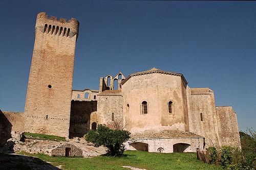 Provence : Abbaye de Montmajour by paspog