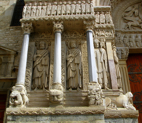 Arles - Cathedral of Saint-Trophime by perseverando