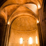 Echo - Abbaye de Montmajour par  - Arles 13200 Bouches-du-Rhône Provence France