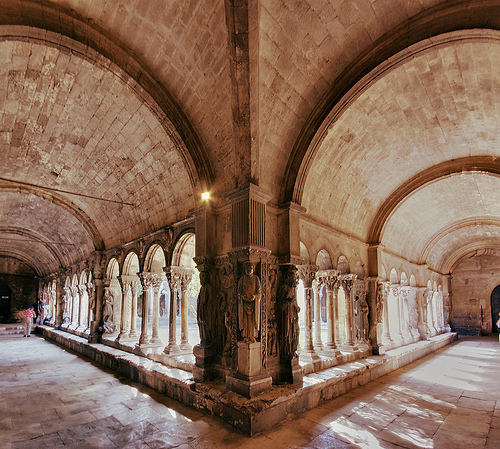 Saint-Trophime - cloister re-visited. par Maximus DiFermo
