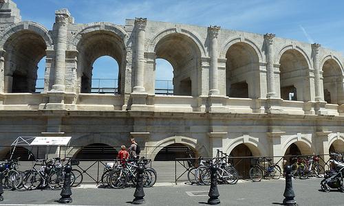 Amphithéâtre d'Arles by Discours de Bayeux
