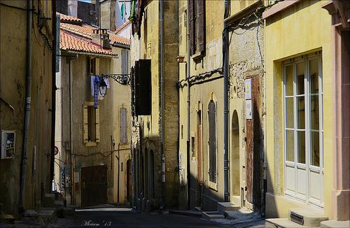 En se perdant dans les ruelles d'Arles by miriam259