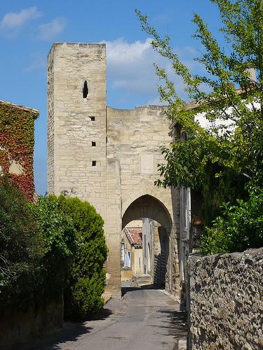 Barbentane - Porte de Séguier by Vaxjo
