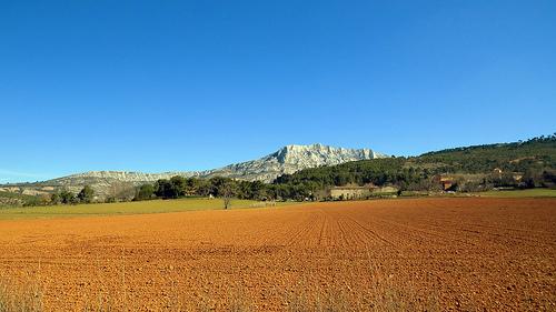 Montagne Ste.Victoire, Beaureceuil by J@nine
