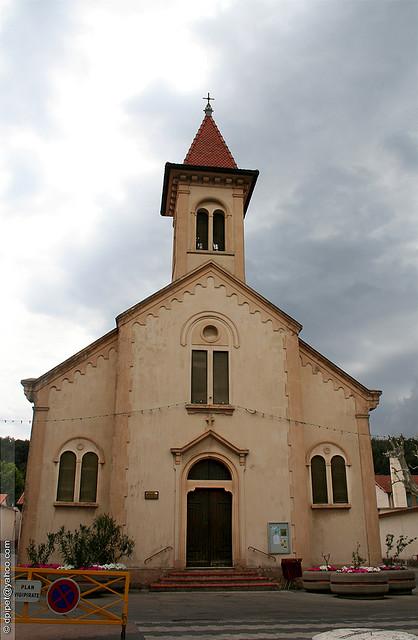 L'église au clocher pointu de Biver by Dominique Pipet