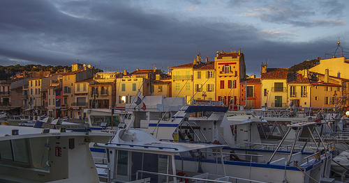 Coucher de soleil sur le port de Cassis par feelnoxx