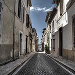 En route vers le port par feelnoxx - Cassis 13260 Bouches-du-Rhône Provence France