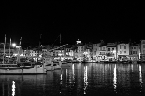 Nocturne dans le port de Cassis by feelnoxx