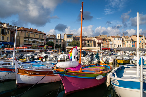 Port de Cassis tout en couleurs by Sylvester Supertramp