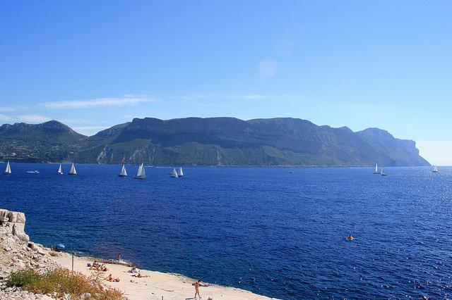 Baie de Cassis - Cap Canaille - Mistral & voiliers (Bouches-du-Rhône - Cassis) by Seb+Jim