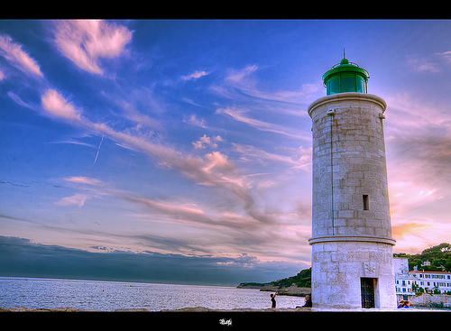 Phare du port de Cassis / Cassis's lighthouse by Cilou101