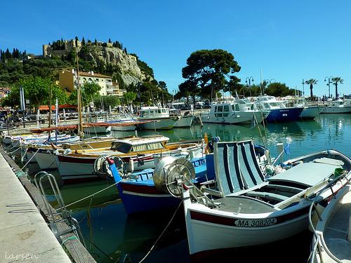 Cassis - barques de pêche by larsen & co