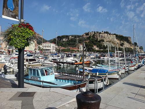 L'été sur le port de Cassis... par Patougreef