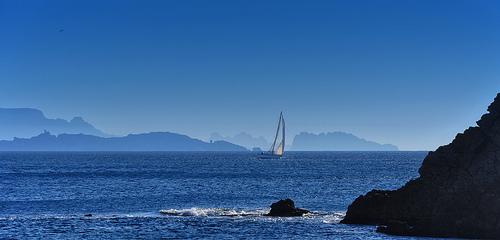 Bleu, bleu ... même la Côte est Bleue - Côte d'Azur par Charlottess