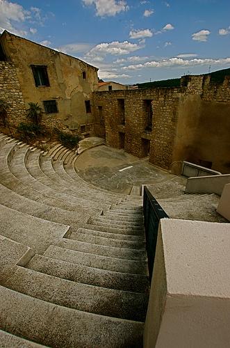 Amphi d'Eyguieres par bluerockpile
