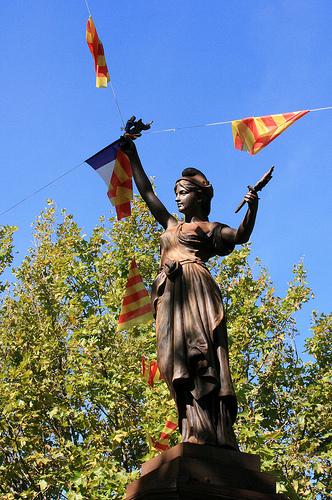 Statue - La Marianne de Fontvieille par Seb+Jim