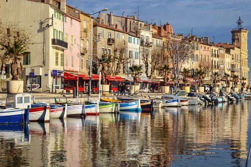 Le miroir du petit port de La Ciotat by davcsl