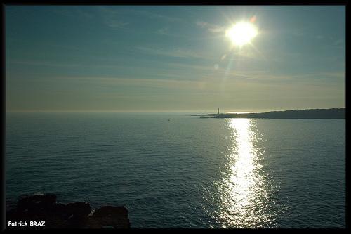 Côte d'azur : Le soleil descend sur Sainte-Croix par Patchok34