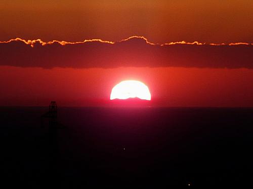 Coucher de soleil sur le Canigou depuis la chaîne des Côtes par bruno Carrias