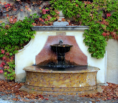 Fontaine d'Automne by Tinou61