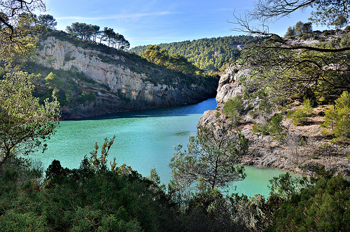 Lac Zola - Sainte-Victoire by Charlottess