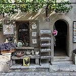 Magasin La Treille / Souvenirs de provence par ScottHampton - Les Baux de Provence 13520 Bouches-du-Rhône Provence France
