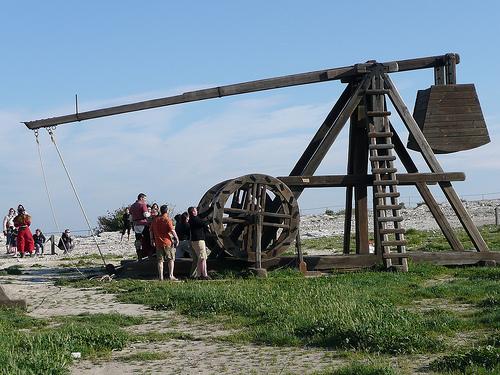 Trébuchet - Catapulte médiévale par Vikingo's Pub