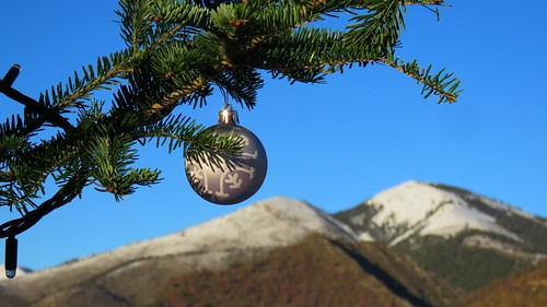 Noël arrive - Alpilles by bernard BONIFASSI
