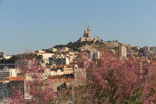 Notre Dame de la Garde vu depuis le Fort Saint-Jean by Meteorry