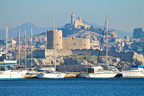 Marseille, le port et Notre Dame de la Garde par Alpha Lima X-ray