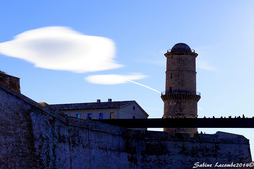 Fort Saint-Jean : tour ronde du fanal by sabinelacombe