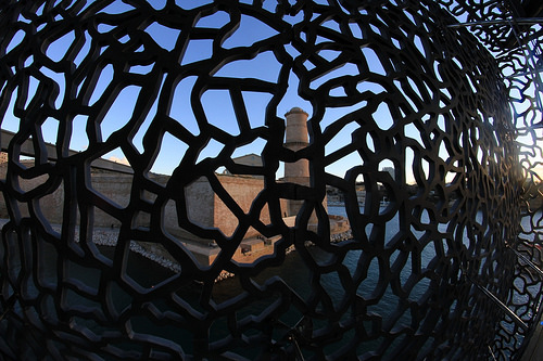 MuCEM : vue vers le Fort Saint-Jean by maybeairline