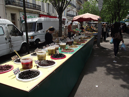 Only olives...Just olives at the market par ruebreteuil