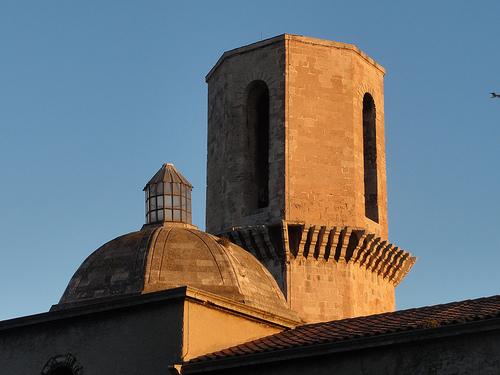 Roman provençal : Eglise Saint Laurent by Hélène_D