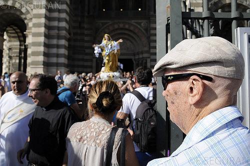 Procession du 15 août à Marseille by fredomarseille