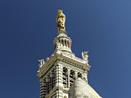 Notre Dame veille sur Marseille par mary maa