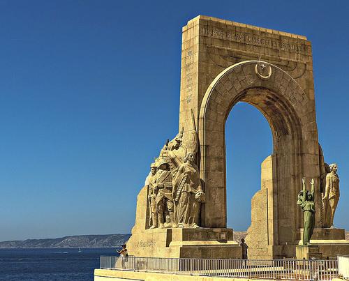 La Porte d'Orient à Marseille by mary maa