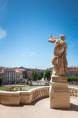 Statue du Palais de Longchamp à Marseille by Franck Vallet