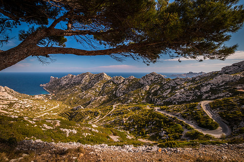 Calanque de Sormiou : attention route sinueuse pour s'y rendre ! par Jamani Caillet
