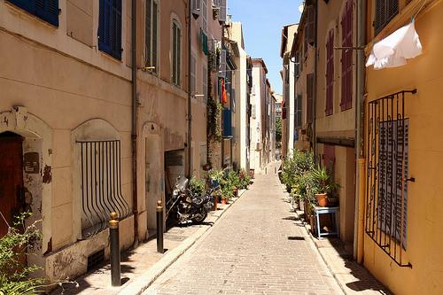 Ruelle dans le quartier du Panier à Marseille by Feiko.