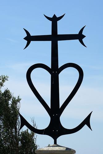 La croix camarguaise by krissdefremicourt