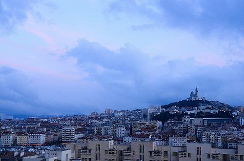 Notre Dame de la Garde domine et surveille Marseille par _Syla_