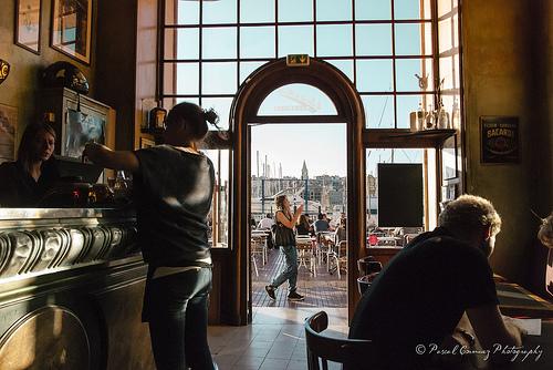 Brasserie à Marseille sur le port par moudezoreil