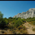 La montagne Sainte-Victoire par  - Aix-en-Provence  Bouches-du-Rh&ocirc;ne Provence France