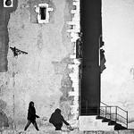 Précédée de son ombre par bcommeberenice [ en vacances...] - Martigues 13500 Bouches-du-Rhône Provence France