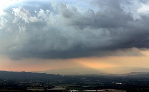 Ciel et nuages à Meyrargues par J.P brindejonc